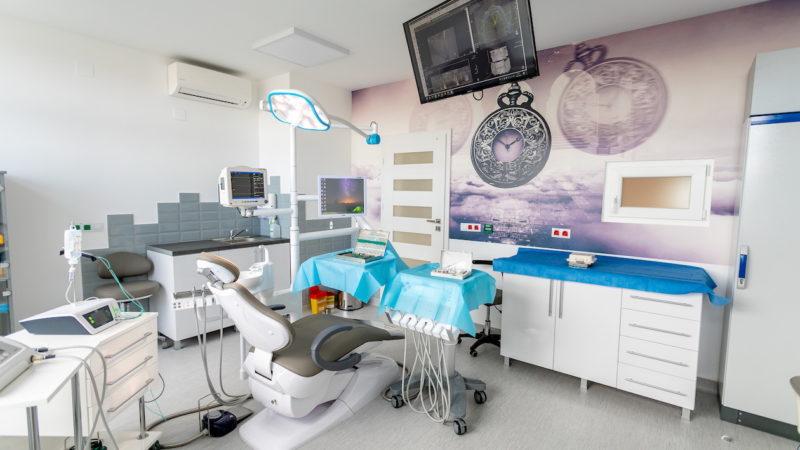 chirurgie dentara mures