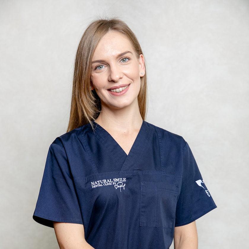 DR. LAURA CONŢAC